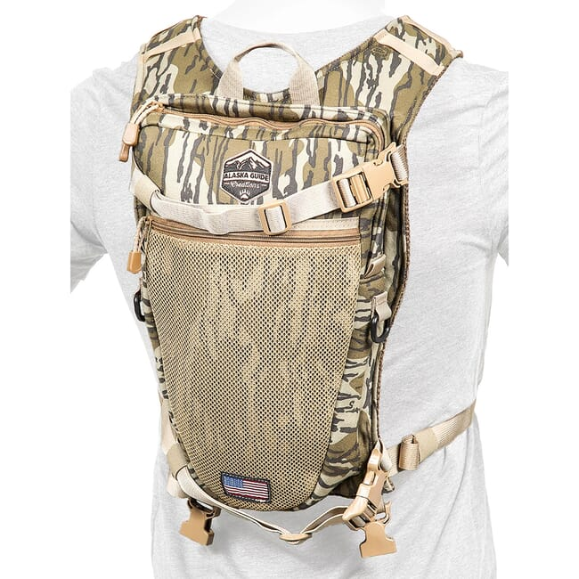 Alaska Guide Creations Stalker - Mossy Oak Bottomland Hydration Pack STK-MOBL